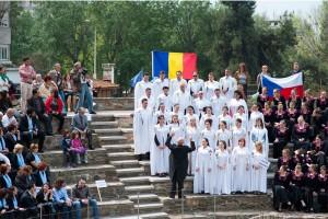 Corul Divina Armonie Coltea 2015-Public si Cor
