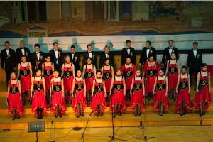 Corul Divina Armonie Coltea 2015-Scena Cor